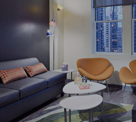 ACME Hotel Company, Illinois King Suites